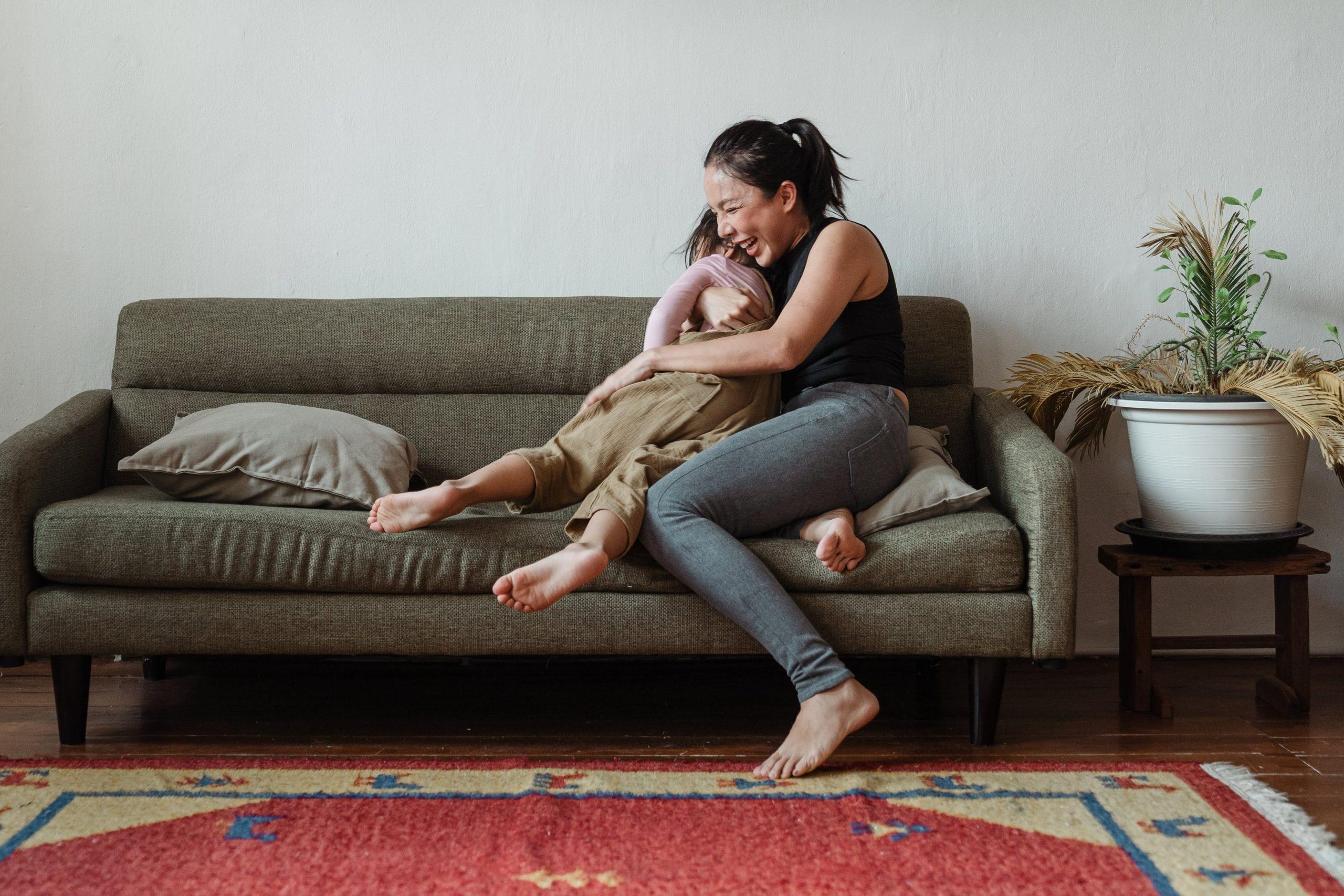 Licença-maternidade: mães biológicas e adotivas